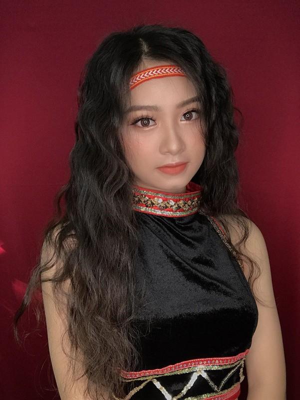Nu sinh Buon Ma Thuot hut hon CDM vi qua xinh dep khi hoa than thanh Mi-Hinh-5