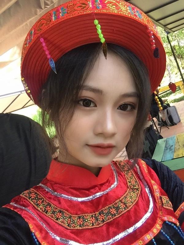 Nu sinh Buon Ma Thuot hut hon CDM vi qua xinh dep khi hoa than thanh Mi-Hinh-8