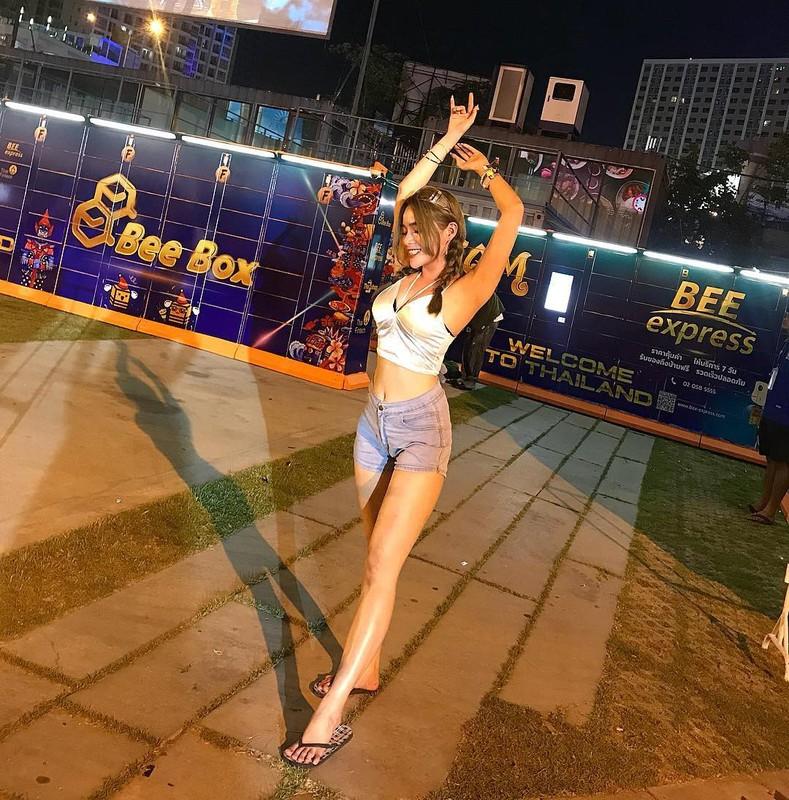 1 met vuong 10 trai xinh gai dep hoi tu o Tet te nuoc Songkran-Hinh-10