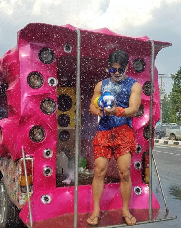 1 met vuong 10 trai xinh gai dep hoi tu o Tet te nuoc Songkran-Hinh-3