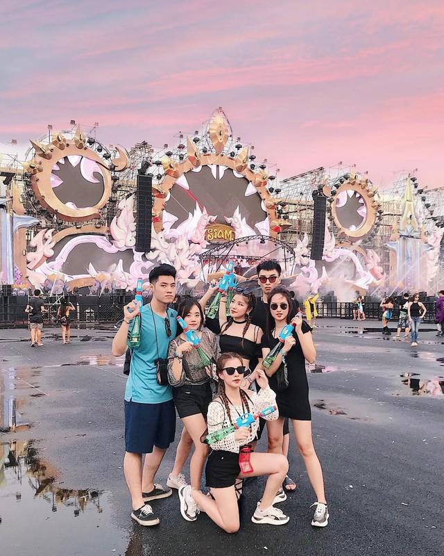 1 met vuong 10 trai xinh gai dep hoi tu o Tet te nuoc Songkran-Hinh-9