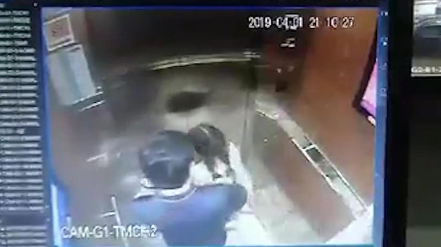 CDM lai day song vu cuong hon be gai trong thang may-Hinh-2