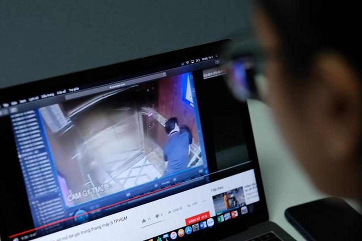 CDM lai day song vu cuong hon be gai trong thang may
