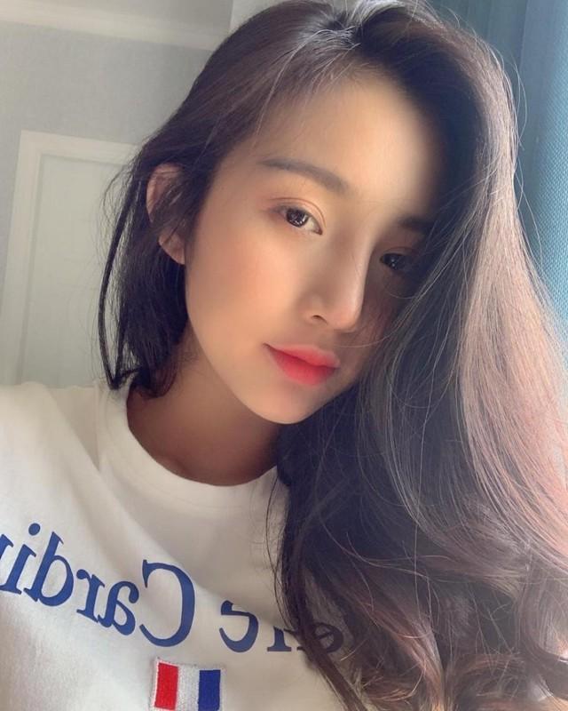 Hot girl Viet len bao nuoc ngoai: Mat khong ti vet, body nong bong