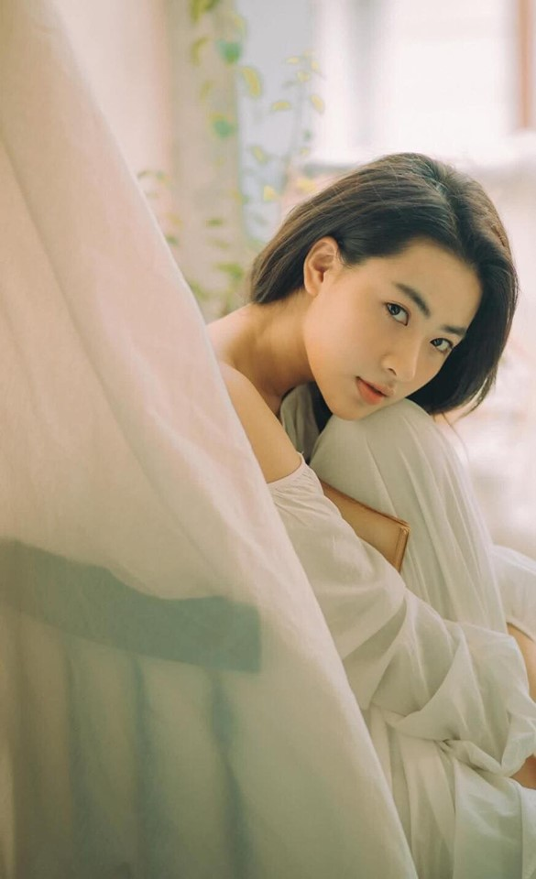 "Hot girl ""thang 5 de danh"" chiem spotlight nho guong mat ""tinh oi la tinh""-Hinh-2"