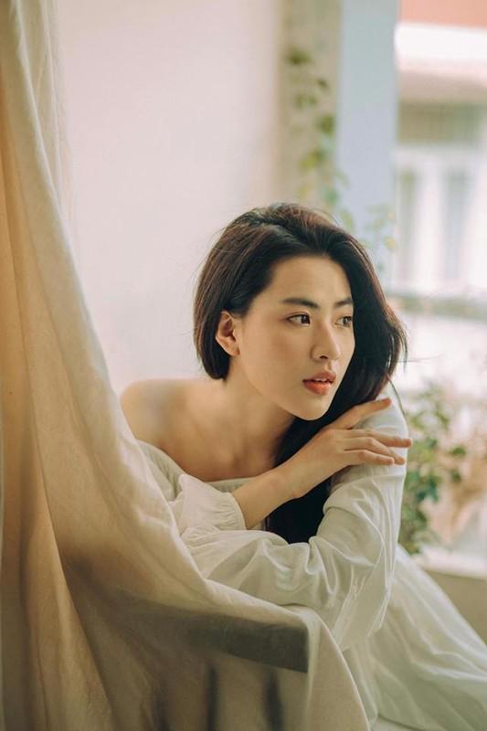 "Hot girl ""thang 5 de danh"" chiem spotlight nho guong mat ""tinh oi la tinh""-Hinh-7"