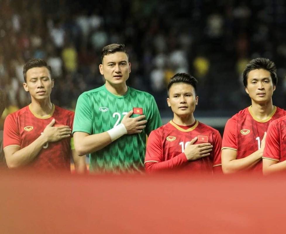 Choi cho CLB Thai Lan, Dang Van Lam phan ung la khi VN chien thang
