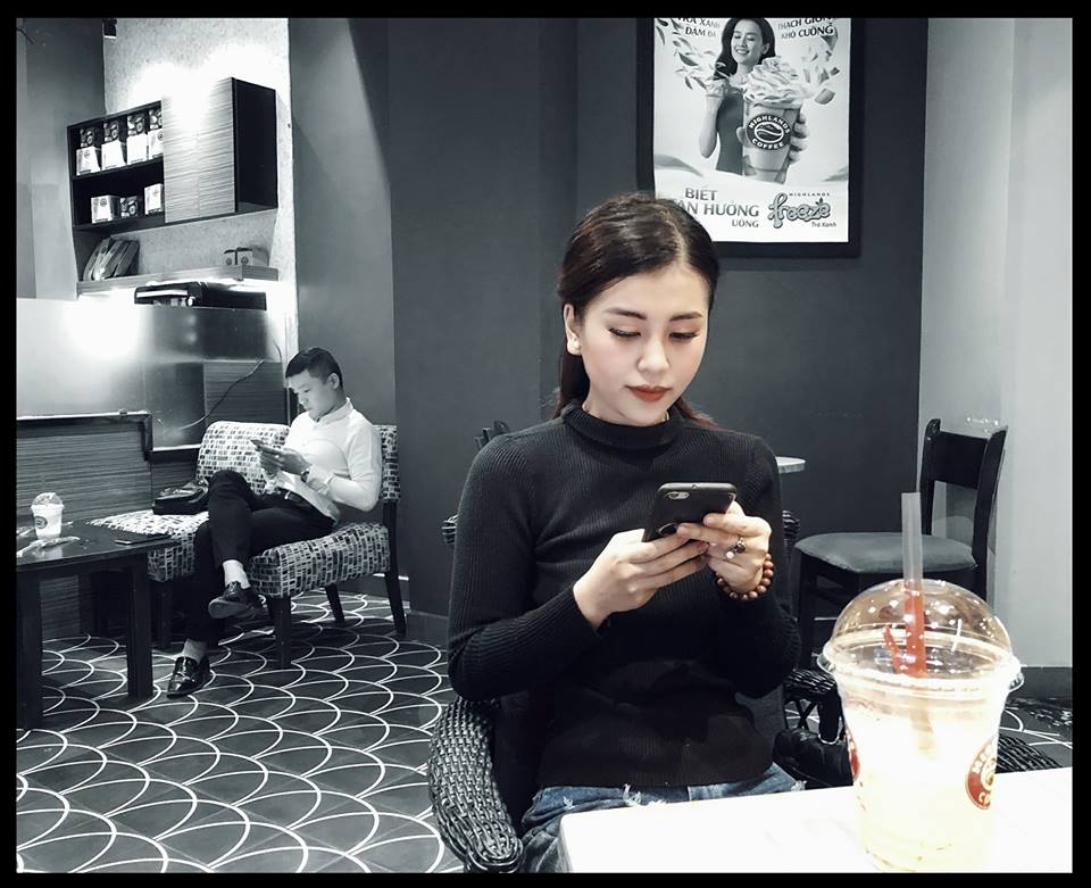 """Nhan sac doi thuong cua co gai """"tran truong"""" duoi ho sen-Hinh-7"""