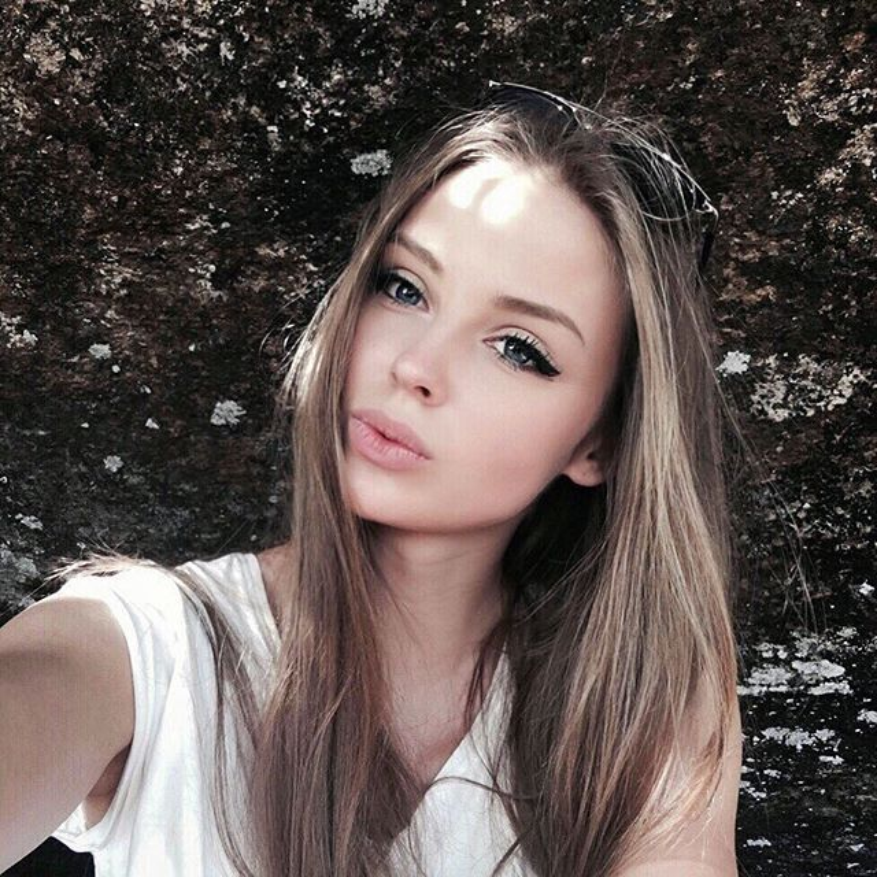 Hot girl Nga so huu than hinh nong bong nhung lai hut hon fan bang diem nay-Hinh-10