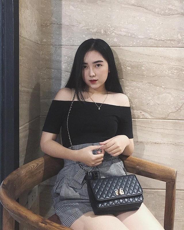 """Lan dau cong khai ban gai hot girl, Ha Duc Chinh bi dong bon """"choc que""""-Hinh-4"""
