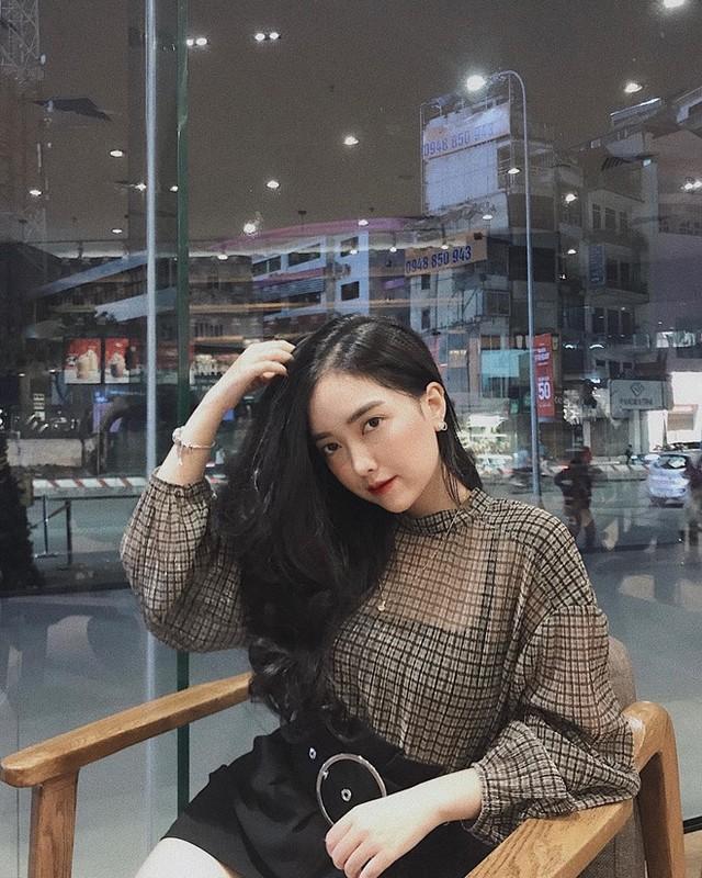 """Lan dau cong khai ban gai hot girl, Ha Duc Chinh bi dong bon """"choc que""""-Hinh-5"""
