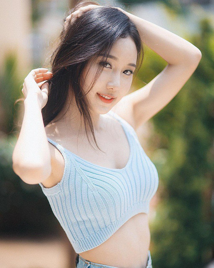 Hot girl hoan my nhat Dong Nam A luoi kiem tien vi ly do