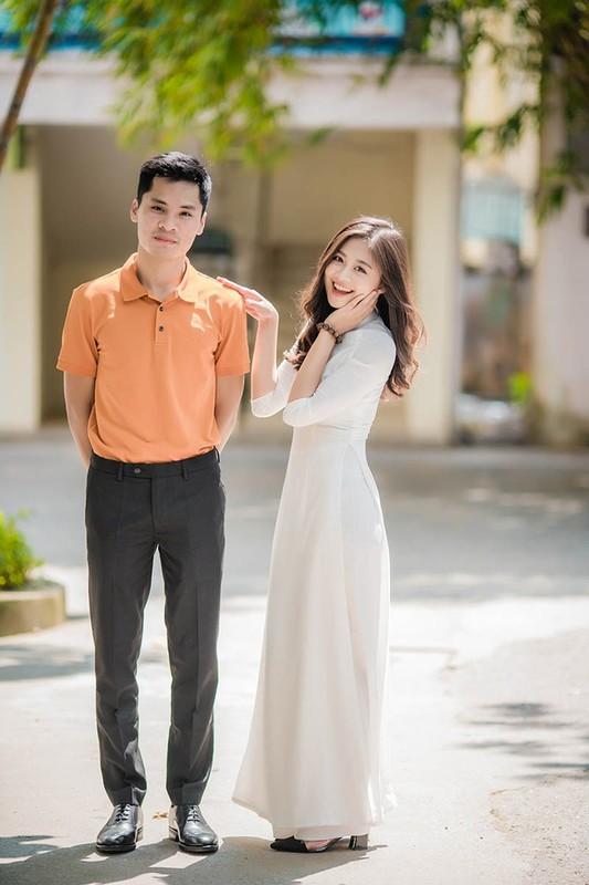 Nu sinh DH Ngoai thuong dien ao dai khien dan mang hoi