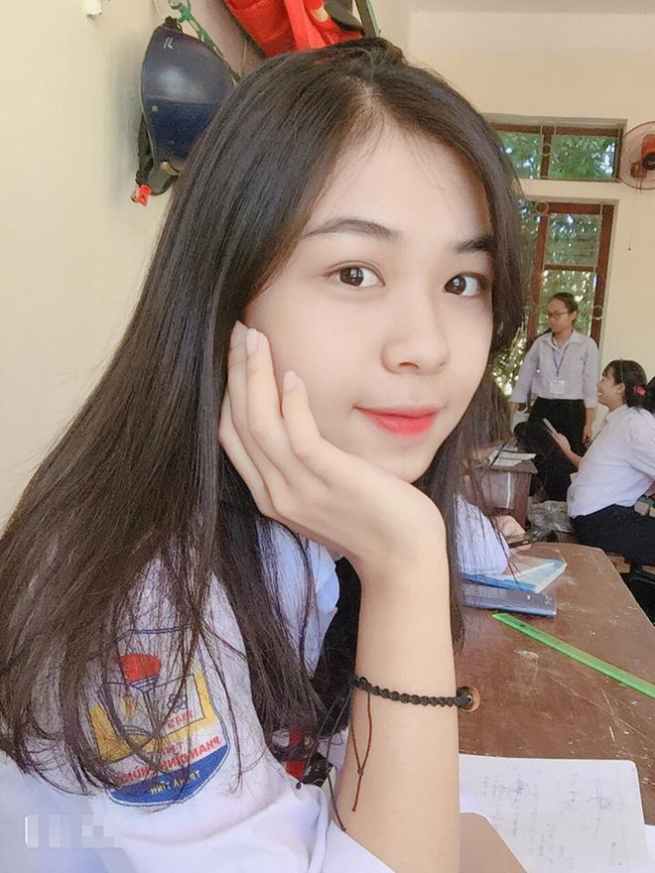 Ba xa la hoa khoi nhung nhin sang em vo Hai Que dan mang moi giat minh-Hinh-6