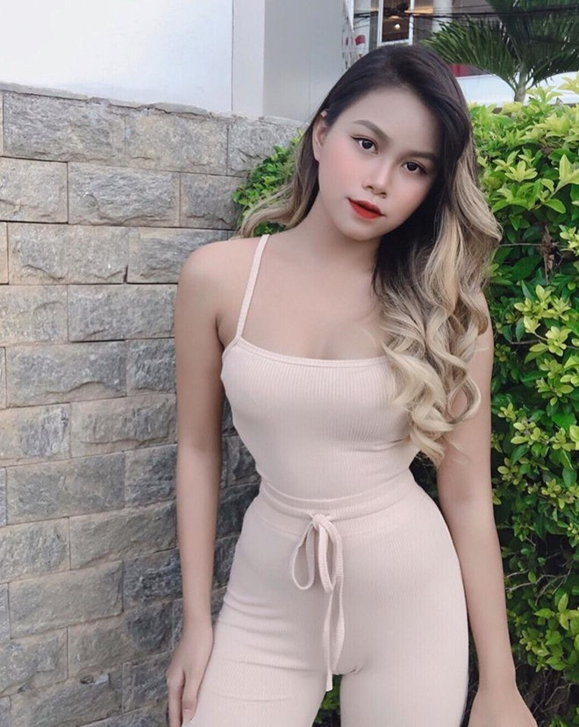 Khong the roi mat voi loat hot girl 2K3 noi tieng tren mang-Hinh-3