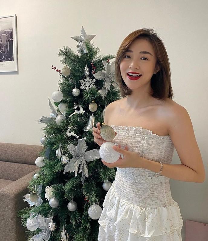 Hot girl Viet don Giang sinh: Nguoi sang chanh, ke bi dim hang dang thuong-Hinh-2