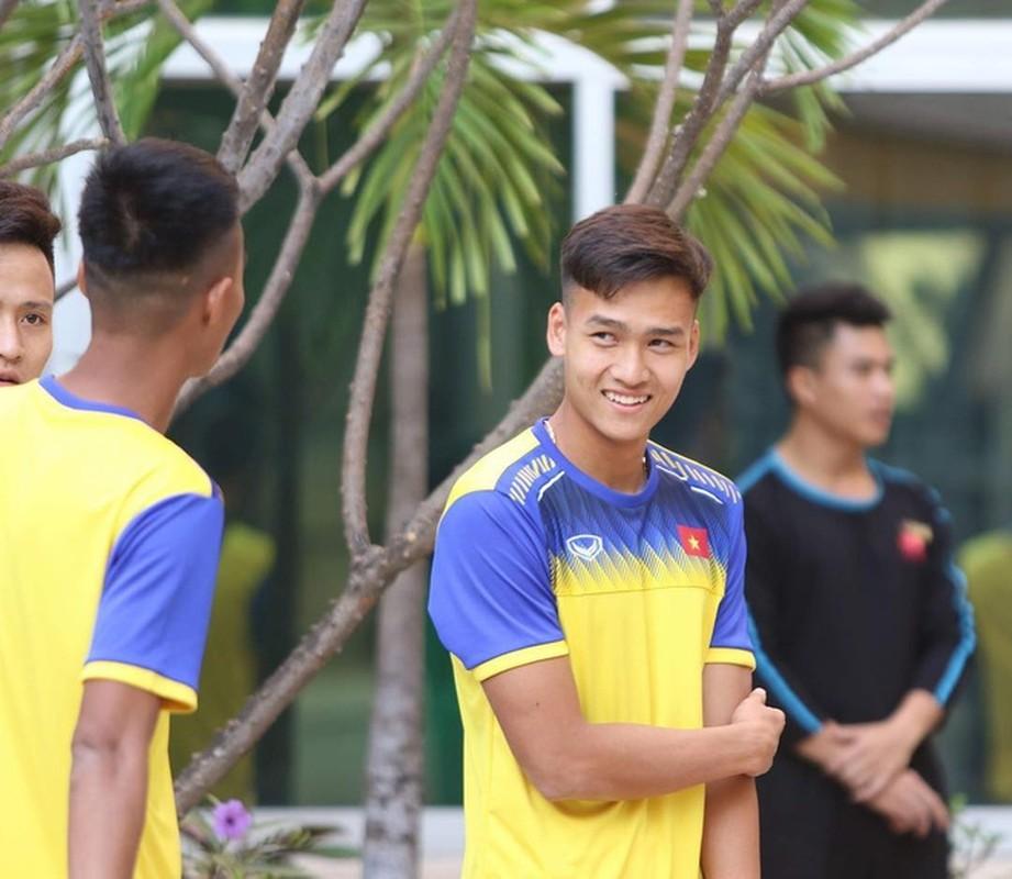 Soi hoi em ut U23 Viet Nam: Dau chi dep ma con cao to-Hinh-4