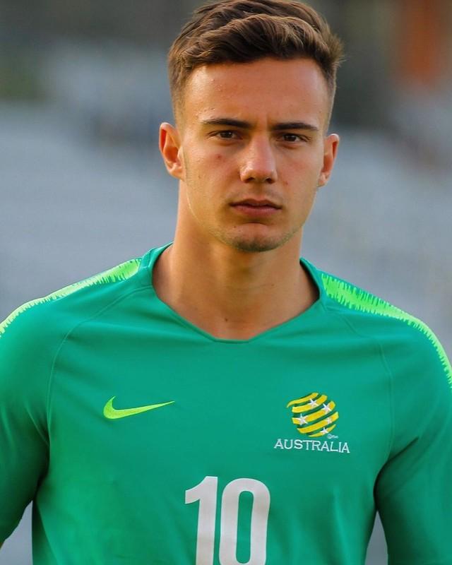 Tien ve U23 Australia khien hoi chi em doi