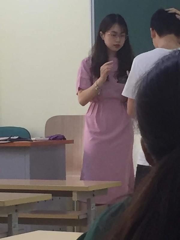 Du bi chup len nu giang vien Kinh te Quoc dan van ngoi ngoi than thai-Hinh-2
