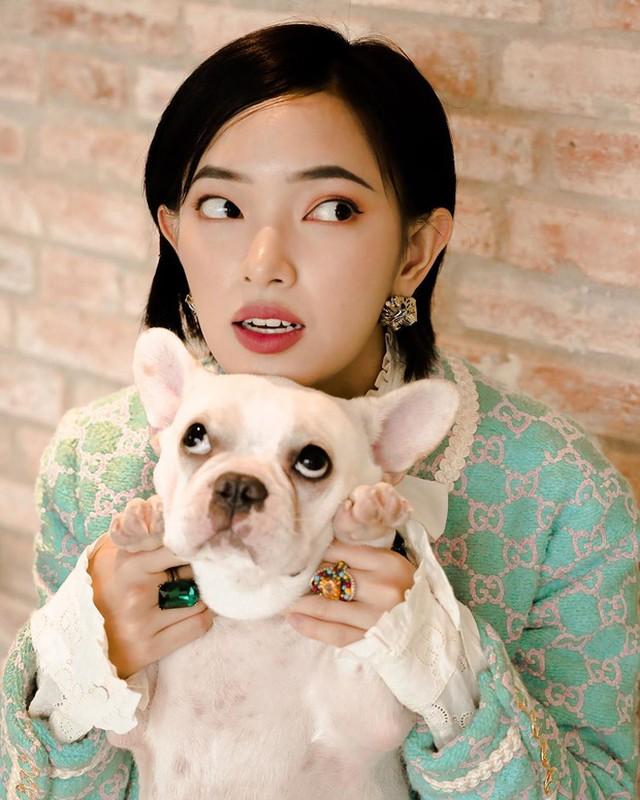 Noi tieng am am Youtuber, hot girl, streamer Viet van khong thoat kiep