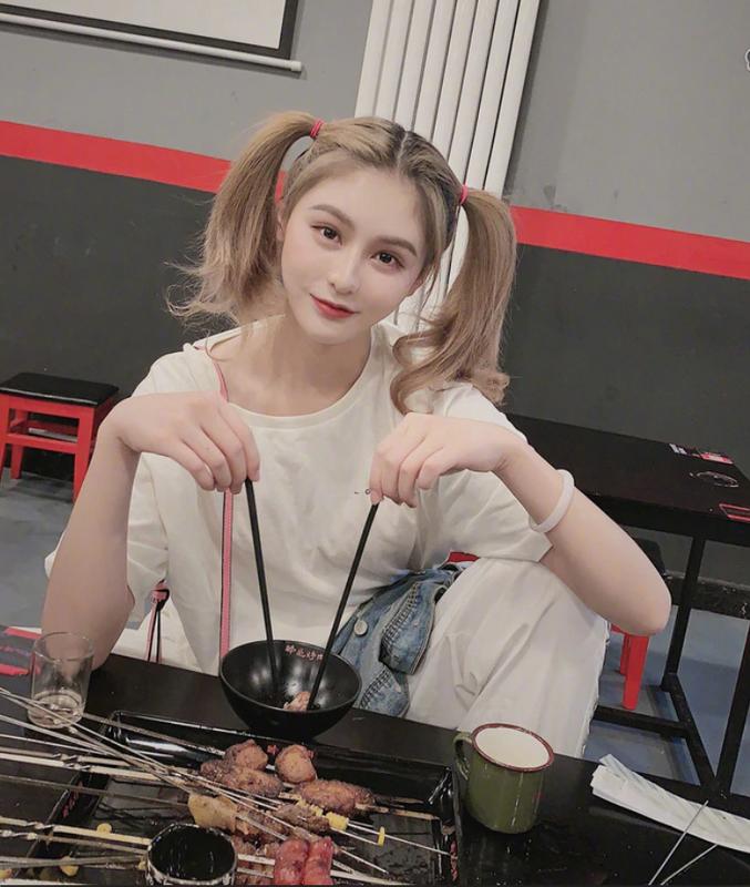 Boc anh that hot girl mang 2,5 trieu follow, fan bi lua the nao?-Hinh-7