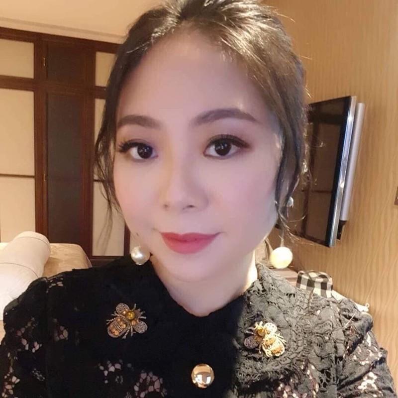 """Nguyen Hong Nhung duong tinh COVID-19 nhan """"mua gach da"""" tu dan tinh"""
