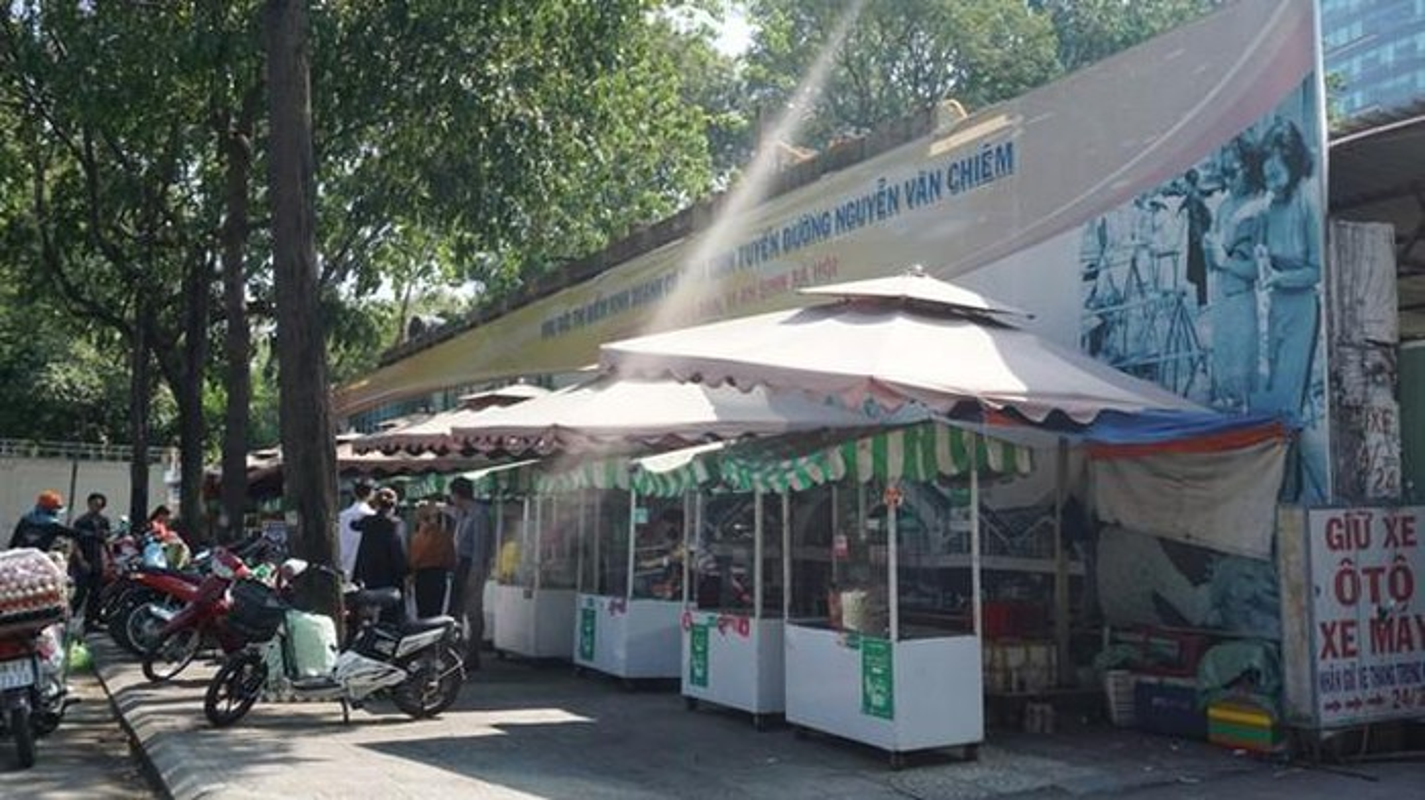 Pho hang rong the nao sau cuoc chien via he cua ong Doan Ngoc Hai?