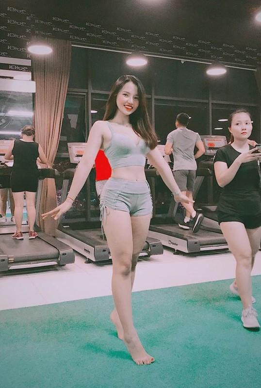 Hot girl phong gym ke chuyen tinh