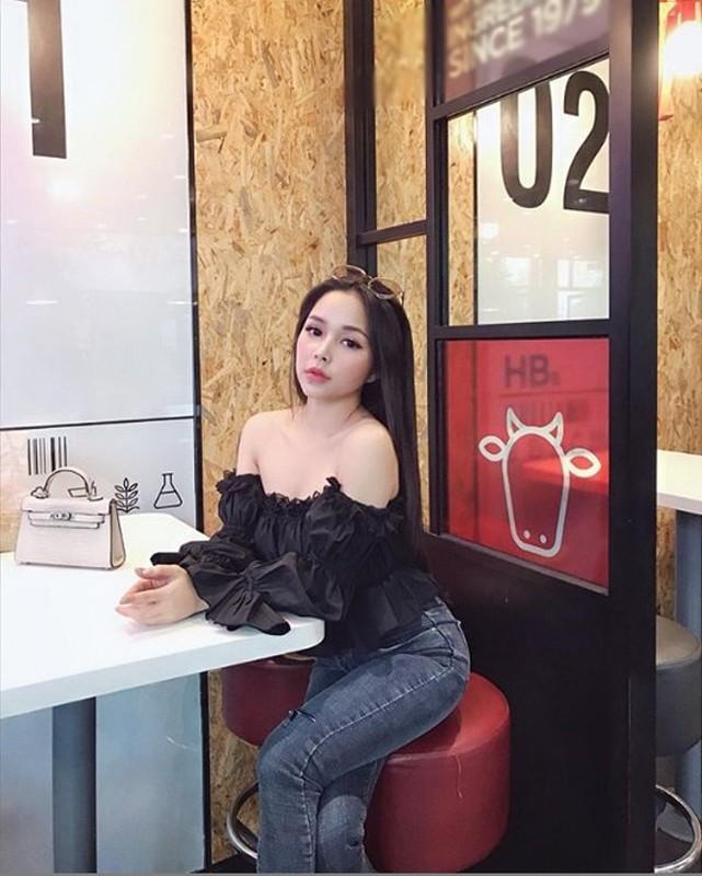 Soi dan hot girl Viet du lun nhung van un un nguoi theo