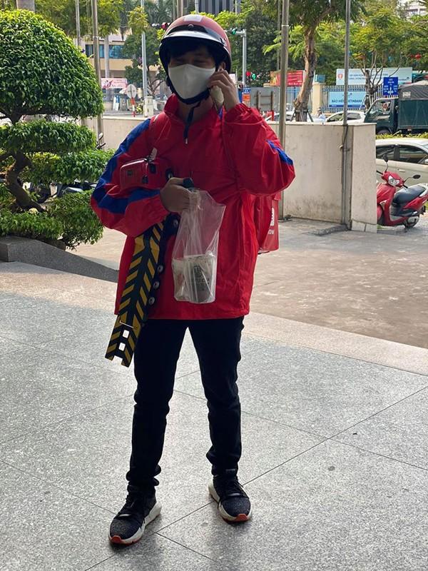 Giao hang mua Covid-19, khi cac shipper the hien su thong minh den bat ngo-Hinh-3