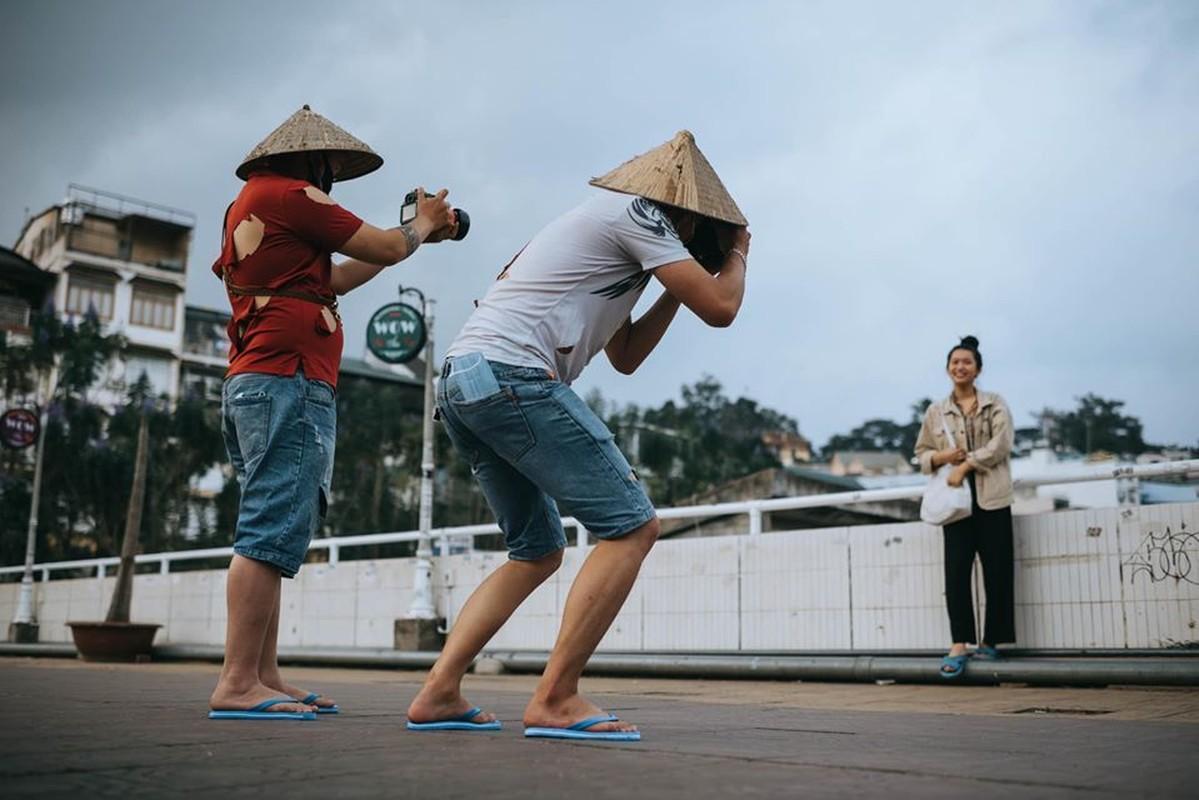 Phai an xin vi e am, chang photographer tung bo anh khien dan mang xon xao-Hinh-5