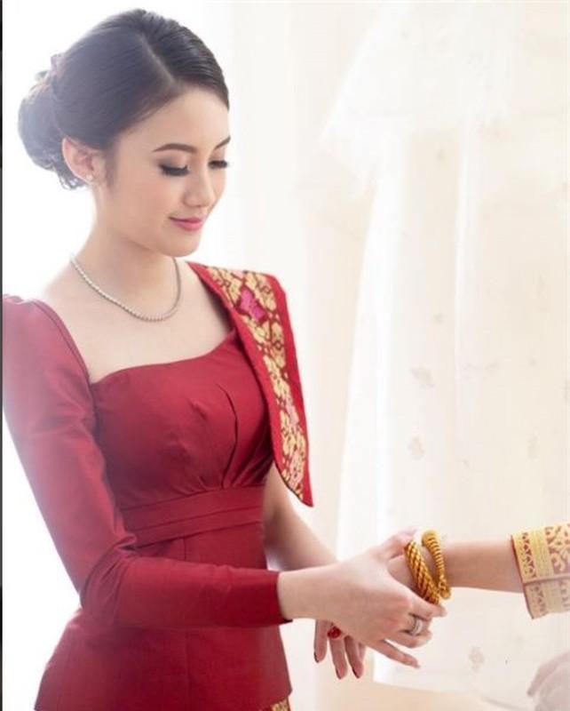 Hot girl nguoi Lao goc Viet, nhan sac len huong sau thoi gian an giat-Hinh-3