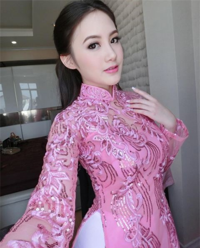 Hot girl nguoi Lao goc Viet, nhan sac len huong sau thoi gian an giat-Hinh-4