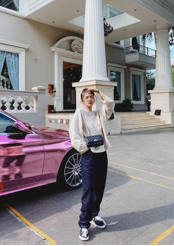 "My nhan Viet ""khai that"" chieu cao khien dan mang khong khoi nga ngua-Hinh-5"