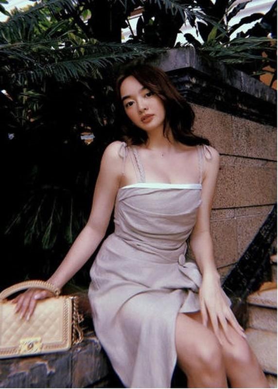 "My nhan Viet ""khai that"" chieu cao khien dan mang khong khoi nga ngua"