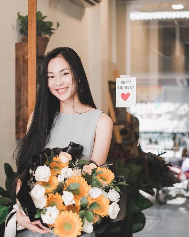 Dan hot girl Viet xuat phat diem rich kid khien van nguoi mo-Hinh-14