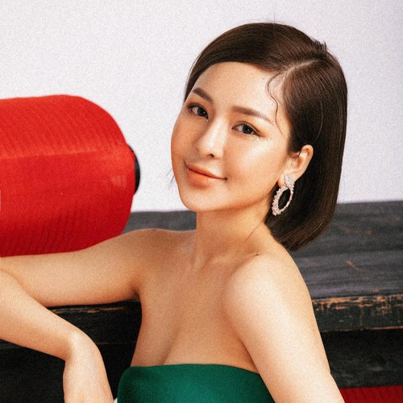 Bi don yeu voi dai gia, hot girl Tram Anh lap tuc co dong thai la-Hinh-11