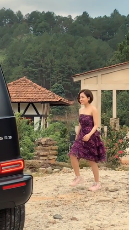 Bi don yeu voi dai gia, hot girl Tram Anh lap tuc co dong thai la-Hinh-3