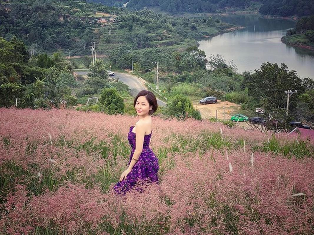 Bi don yeu voi dai gia, hot girl Tram Anh lap tuc co dong thai la-Hinh-4
