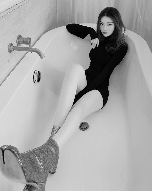 Hot girl 10X Sai thanh thoat mac gai ngoan dan lo ro ve quyen ru-Hinh-3