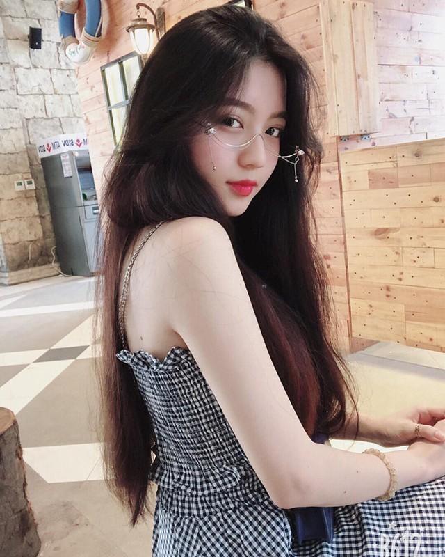 Hot girl 10X Sai thanh thoat mac gai ngoan dan lo ro ve quyen ru