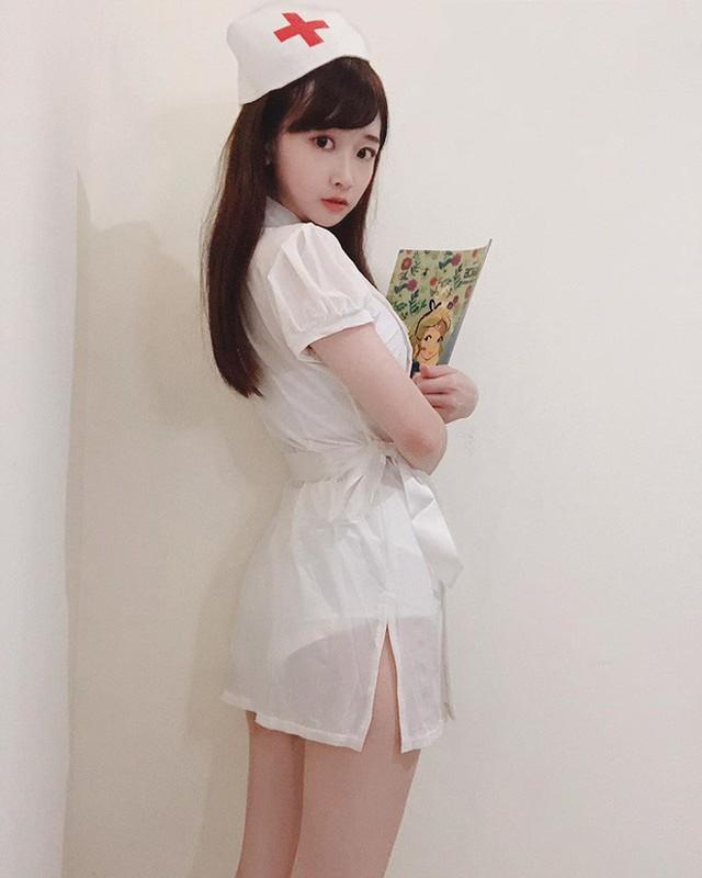 Nu y ta lam dien dao netizen xu Trung tiet lo than phan that