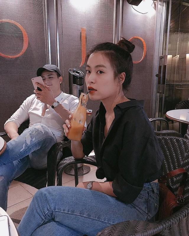Tinh cu Hoang Thuy Linh gay chu y khi xuat hien ben dan sieu xe-Hinh-11