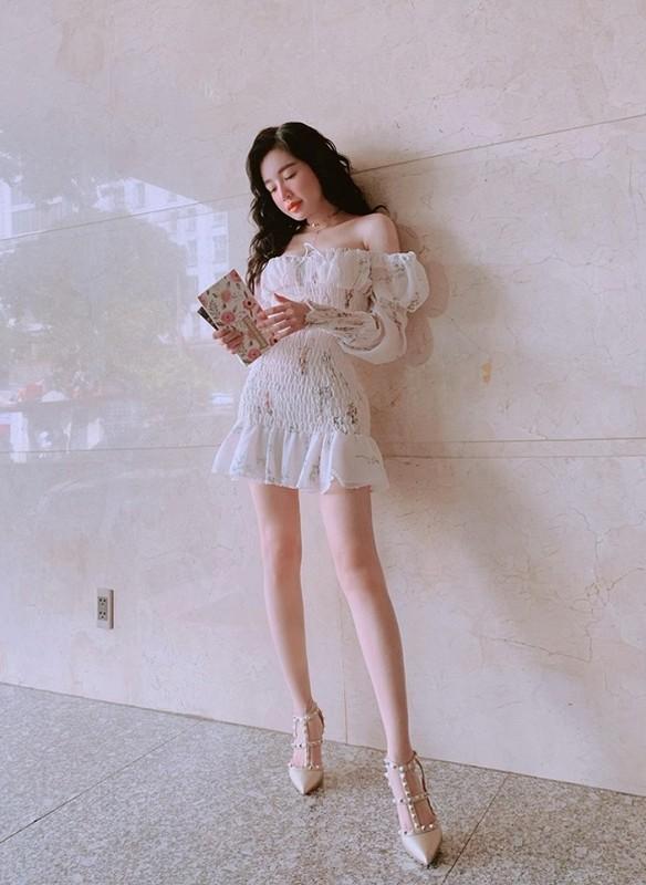 Mai tao dang, hot girl Elly Tran so y de lo diem nhay cam-Hinh-8