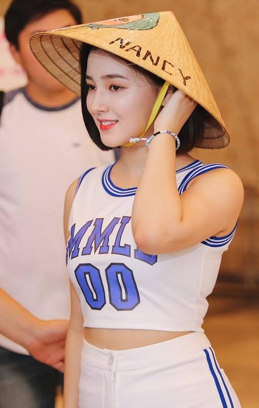 Do nhan sac dan idol Han Quoc doi non la Viet trong su kien-Hinh-8