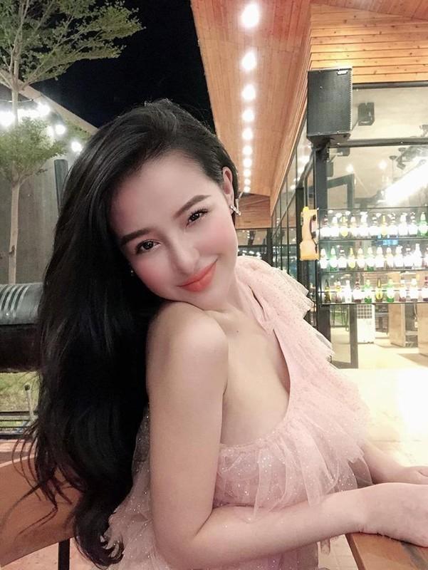 Khoe vong eo 49, Ngan 98 co tinh da xoay dan chi Ngoc Trinh?-Hinh-6