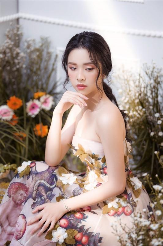 Soi dan gai xinh Hutech: Khong hoa hau thi cung hot girl-Hinh-3