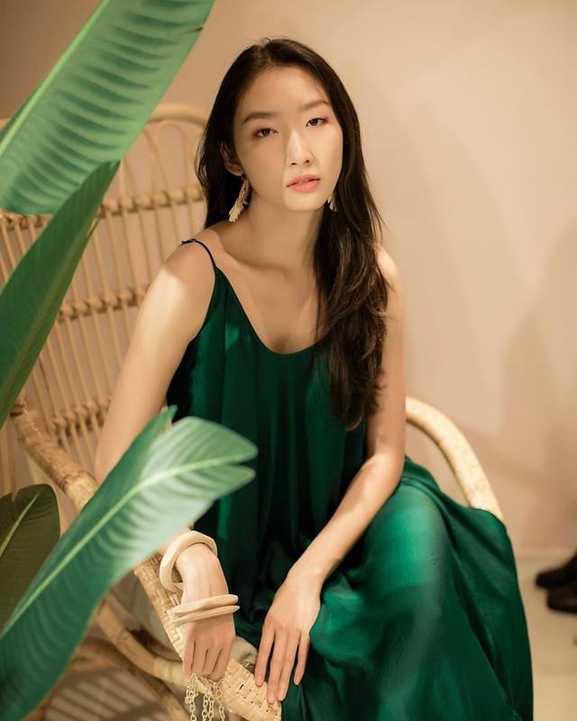 Soi dan gai xinh Hutech: Khong hoa hau thi cung hot girl-Hinh-4