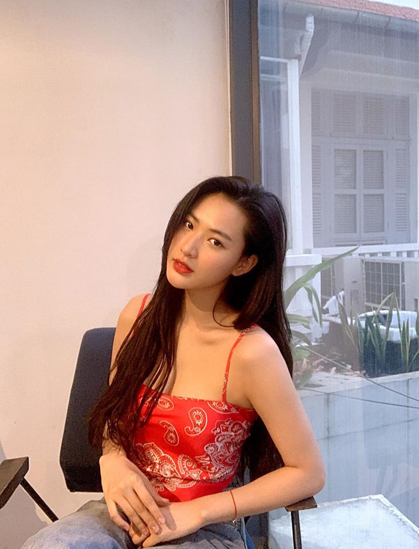 Ngoi an trong benh vien, hot girl Tiktok khien dan tinh
