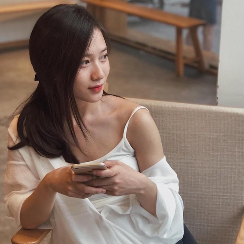Dan gai xinh truong Bao: Khong A hau thi cung hot girl dinh dam-Hinh-2